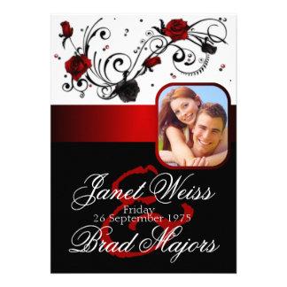Invitación color de rosa roja y negra moderna del