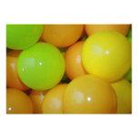 Invitación coloreada de las bolas