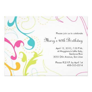 Invitación colorida de los Flourishes - blanco 5x7