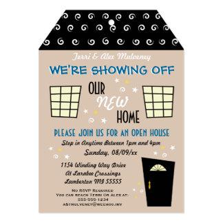 Invitación cortada etiqueta caprichosa de la casa