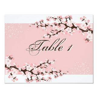Invitación de boda del número de la tabla - flor