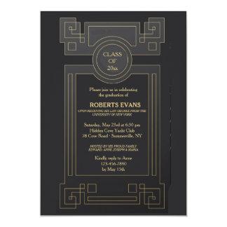 Invitación de caoba de la graduación
