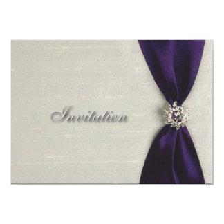 Invitación de color morado oscuro