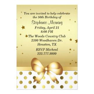 Invitación de encargo dorada elegante del cumpleañ