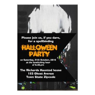 Invitación de Halloween del cráneo de la pintada