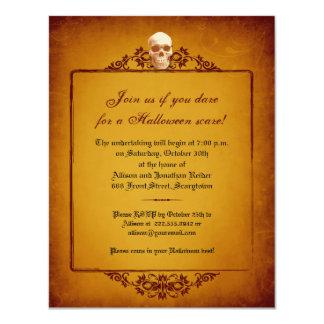 Invitación de Halloween del marco del cráneo