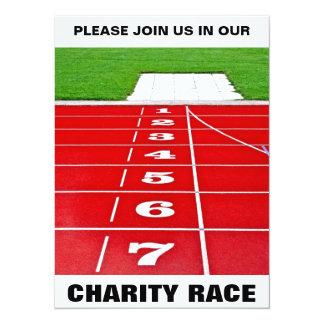 Invitación de la caridad de la pista que compite