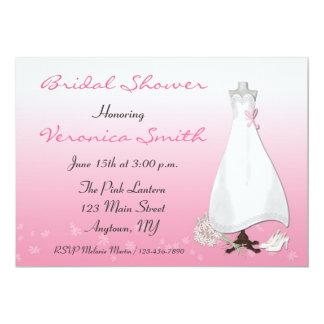 Invitación de la ducha rosada del vestido nupcial