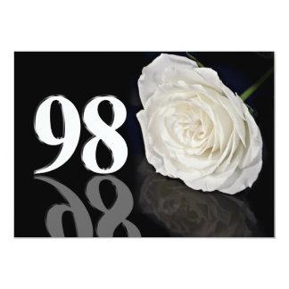 Invitación de la fiesta de cumpleaños 98 años invitación 12,7 x 17,8 cm