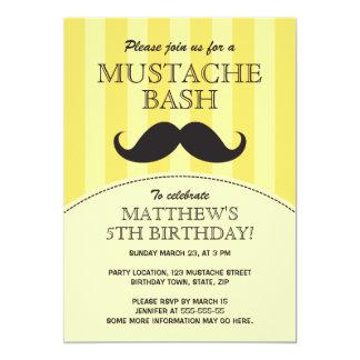 Invitación de la fiesta de cumpleaños del golpe