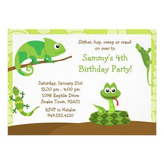 Invitación de la fiesta de cumpleaños del reptil d