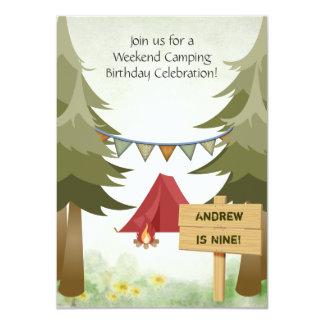Invitación de la fiesta de cumpleaños que acampa