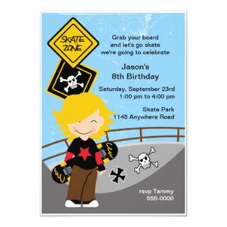 Invitación de la fiesta de cumpleaños que anda en invitación 12,7 x 17,8 cm
