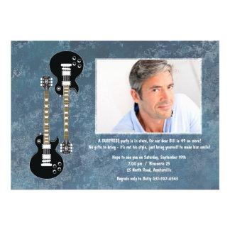 Invitación de la foto de la sorpresa de dos guitar
