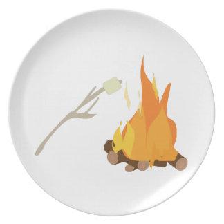 Invitación de la hoguera plato de cena