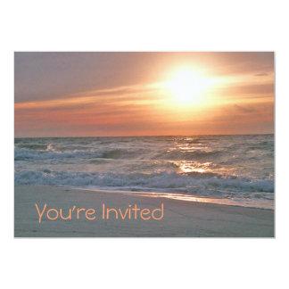 Invitación de la salida del sol de la playa