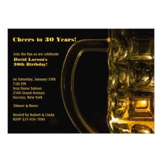 Invitación de la taza de cerveza