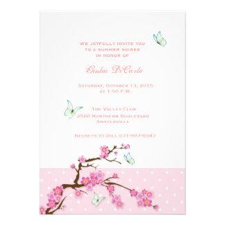 Invitación de las flores de cerezo y de las maripo