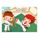 Invitación de los bebés del karate invitación 12,7 x 17,8 cm