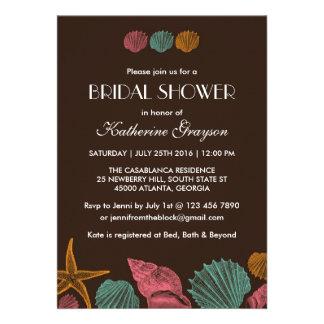 Invitación de los Seashells de Brown para el boda