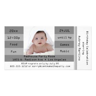 Invitación de plata del cumpleaños del boleto de l tarjetas con fotos personalizadas