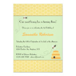 Invitación de zumbido del cumpleaños de las abejas invitación 12,7 x 17,8 cm