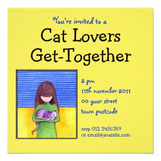 Invitación del amarillo de la abrazo del gato invitación 13,3 cm x 13,3cm