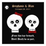 Invitación del boda de Halloween de los cráneos de