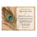 Invitación del boda de la pluma del pavo real de l