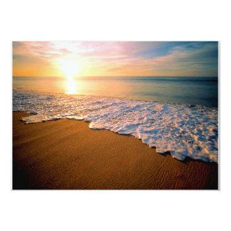 Invitación del boda de playa de la puesta del sol