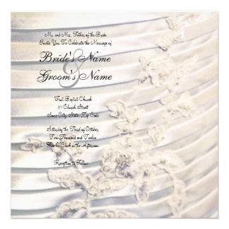 Invitación del boda del detalle del vestido