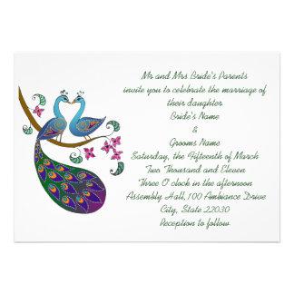 Invitación del boda del pavo real (kantha/wh)