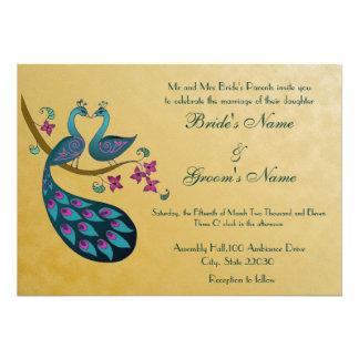 Invitación del boda del pavo real, oro