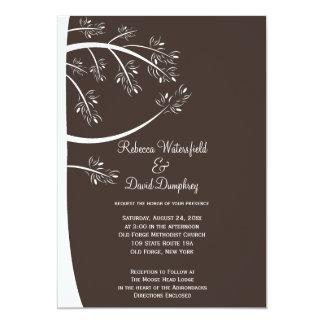 Invitación del boda del tema del árbol de pino de
