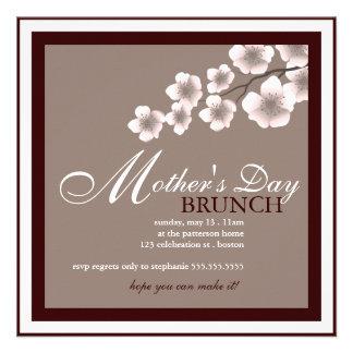 Invitación del brunch del día de madre de la flor