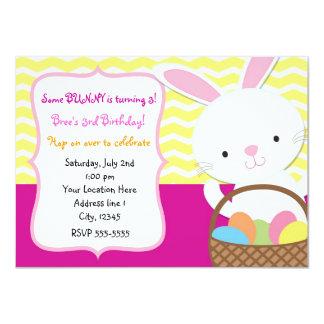 Invitación del conejo de conejito de pascua de la