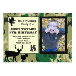 Invitación del cumpleaños de la caza de Camo de