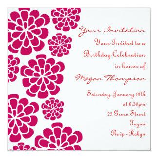 Invitación del cumpleaños de la flor roja y blanca