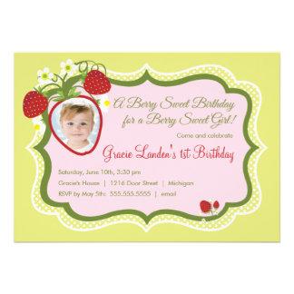 Invitación del cumpleaños de la foto de la fresa e