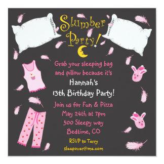 Invitación del cumpleaños de la lucha de almohada