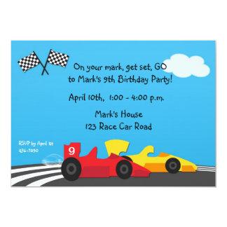 Invitación del cumpleaños de la pista del coche de