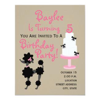 Invitación del cumpleaños del caniche y de la