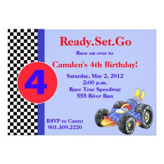 Invitación del cumpleaños del coche de carreras
