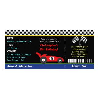 Invitación del cumpleaños del corredor del coche d