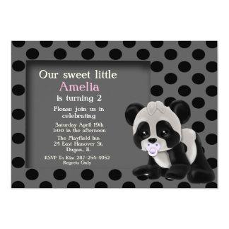 Invitación del cumpleaños del oso de panda de la