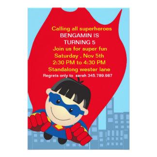 Invitación del cumpleaños del super héroe para el