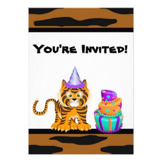 Invitación del cumpleaños del tigre del estampado