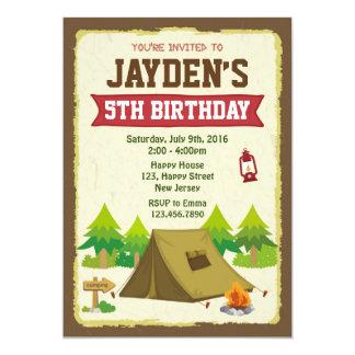 Invitación del cumpleaños que acampa