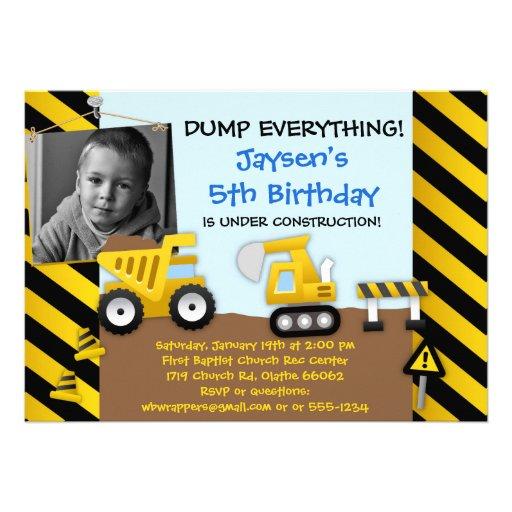 Invitación del fiesta de la construcción del camió