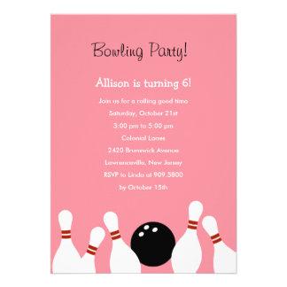 Invitación del fiesta de la diversión de los bolos